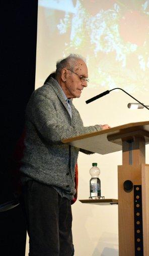 Siegmund Gingold hält seine Rede zum  100. Geburtstag von Peter Gingold am 13. März 2016 in Frankfurt am Main